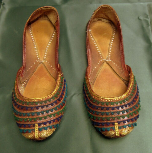 ANTIQUE ORIGINAL MIDDLE EASTERN HAND CRAFTED LEATHER SHOES Circa 1900-1920