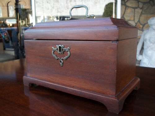 Outstanding Antique Mahogany Chippendale Tea Caddy 19th century