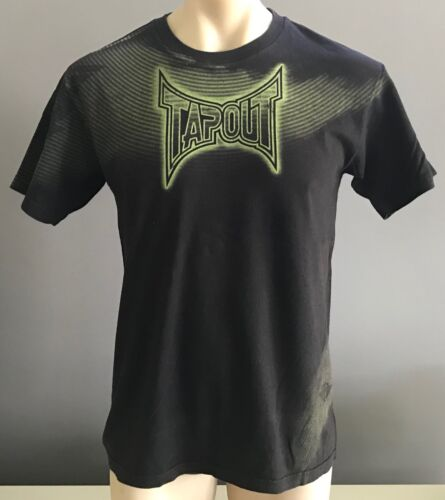 TAPOUT Mens Black Short Sleeve T-shirt w Green Print Size M