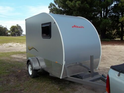 3m x 2.1m x 1.8m enclosed trailer
