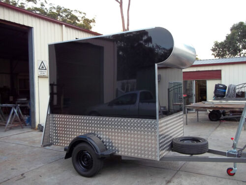 8x5 enclosed trailer 750 kg GVM