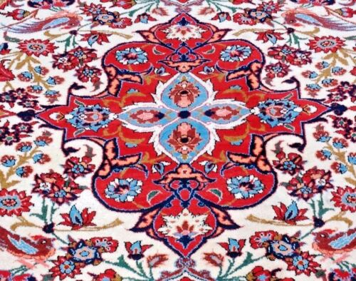 Authentic Perser Hand-Knotted Rug (215 cm x 293 cm)