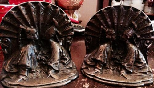 ANTIQUE 1920's DECO CAST IRON W/ BRONZE WASH ORIENTAL LOVERS KISSING BOOK ENDS !