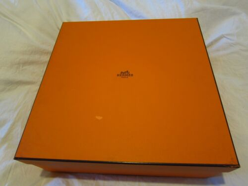 Hermes  Box with 11 empty boxes