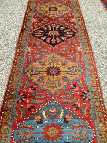 ANTIQUE  HERIZ 5 MEDALLION RUNNER W/BEAUTIFUL COLORS_HIGHLY DESIRABLE