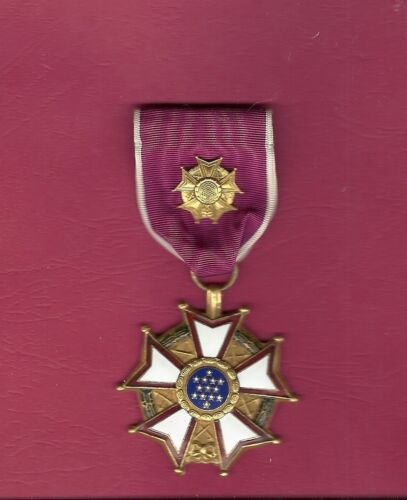 WWII Legion of Merit medal Officer Rank RARE LOMOther Militaria - 135