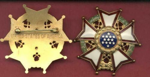 Legion of Merit Chief Commander medal/badge  LOMOther Militaria - 135