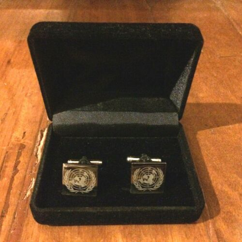 United Nations Pair Of Metal Cufflinks With Case
