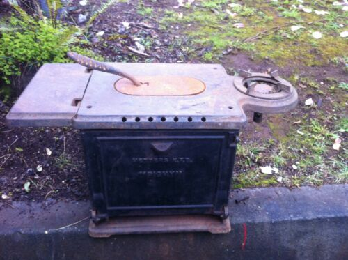 VINTAGE METTERS  PIGMY  CAST IRON GAS  OVEN / STOVE