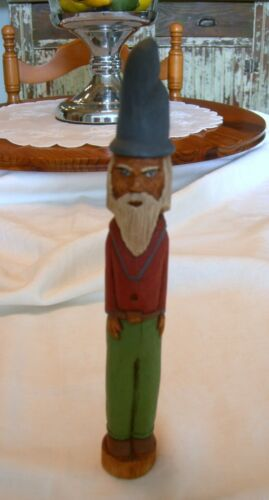 Primitive HAND CARVED FOLK ART Old Man