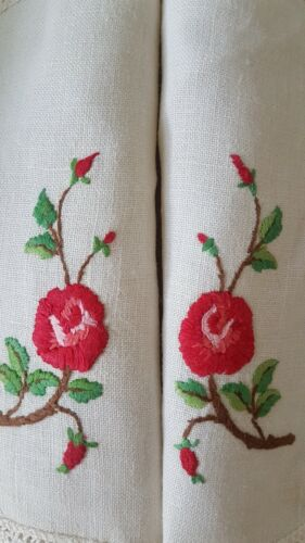 2 x Exquisite ROMANTIC RED ROSES & Buds Vintage Raised Hand Embroidered Doilies