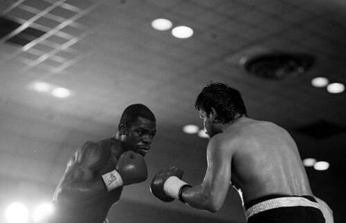 OLD BOXING PHOTO Iran Barkley Looks To Throw A Punch Against Roberto Duran 1