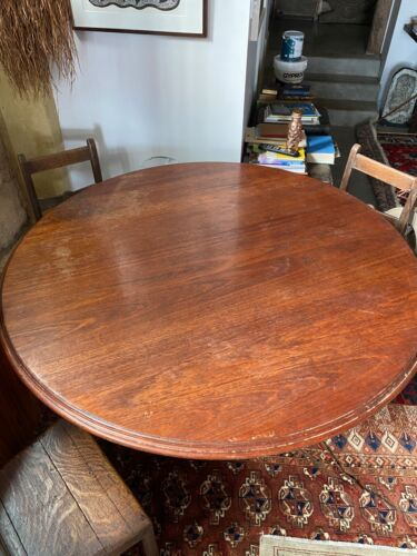 Antique Victorian large round dinning table seats 8