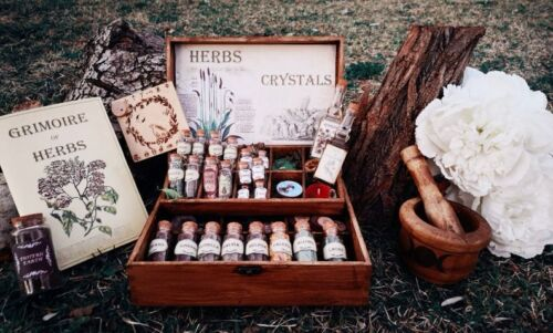 Box Wicca, Pagan Witch, witchraft, spells, herbs magic