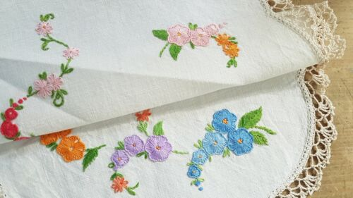 Gorgeous Vintage Hand Embroidered Pretty HOLLYHOCK Flowers Centrepiece Doily