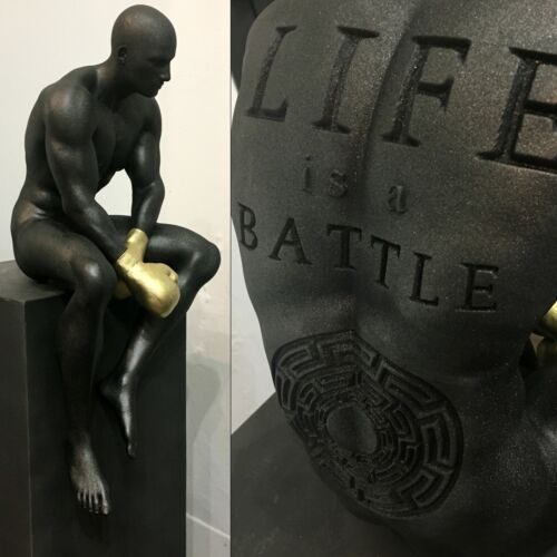 "scultura ""Life is a battle"" grey galaxy di Andrea Giorgi"