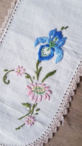 Lovely Blue Iris & Pink Flowers Vintage Hand EMBROIDERED Sandwich Doily