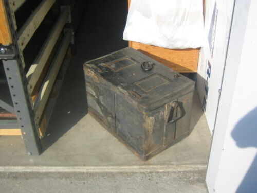 1940 Victor safe & lock co railroad strong box 15x15x24