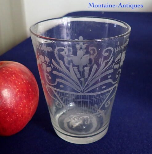 Small Engraved Stiegel Flip Glass Tumbler 18th cent