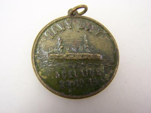 1915 Navy Day Adelaide pressed brass medallion with RAN Dreadnought         2566