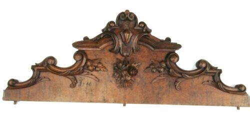 nineteenth pediment, wood carved with acanthus leaves and flowers, Napoleon III