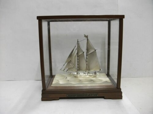 The sailboat of Sterling Silver of Japan. 2masts.#83g/ 2.92oz. Japanese antique