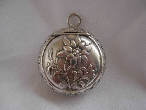 ANTIQUE FRENCH SOLID SILVER PILL OR POWDER BOX PENDANT,LATE 19th CENTURY,