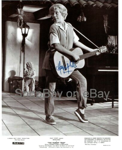 """HAYLEY MILLS .SIGNED PHOTO From 1961 Original Movie THE PARENT TRAP 8x10"""""""
