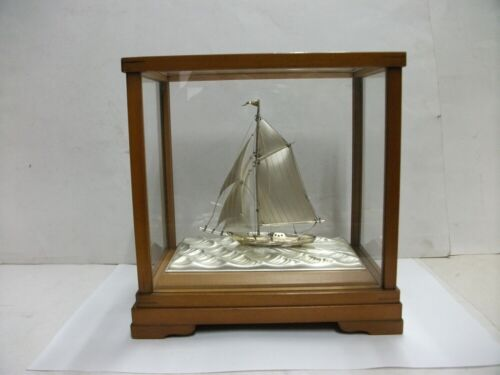 The sailboat of 985 Sterling Silver of Japan. #48g/ 1.69oz. Japanese antique