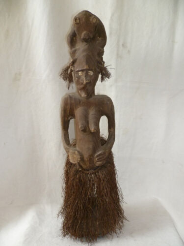 Female ANCESTRAL FIGURE   Sepik  PAPUA NEW GUINEA  # 17