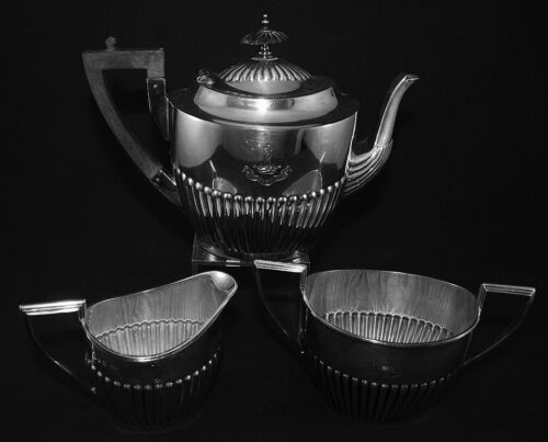 WALKER AND HALL ENGLAND SILVER PLATED TEA SET KNIGHTS TEMPLAR-MASONIC-ENGRAVING