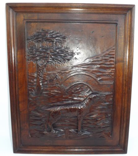 French Black Forest Hand Carved Nut Wooden Panel Picture - Dog Hunt Theme n°1