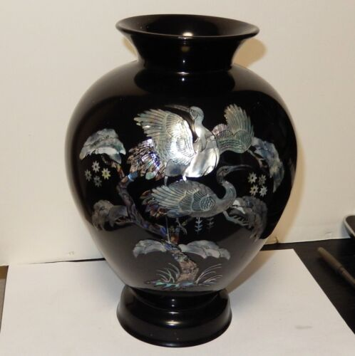"""LARGE 9""""1/4 H. KOREAN MOTHER OF PEARL CRANES ON BLOSSOMS TREE BLACK LACQUER VASE"""