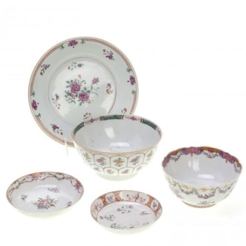 GROUP OF 5 CHINESE EXPORT FAMILLE ROSE PORCELAIN DISHES