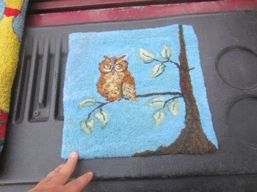 VINTAGE HAND HOOKED RUG CHAIR  SEAT COVER OWL IN TREE