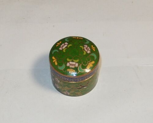 SMALL GREEN CLOISONNE ENAMEL FLORAL PILL CANISTER JAR BOX