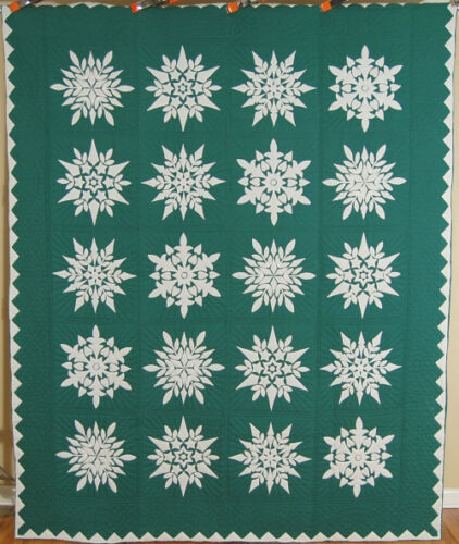 GORGEOUS Vintage 40's Green & White Snowflake Applique Antique Quilt!