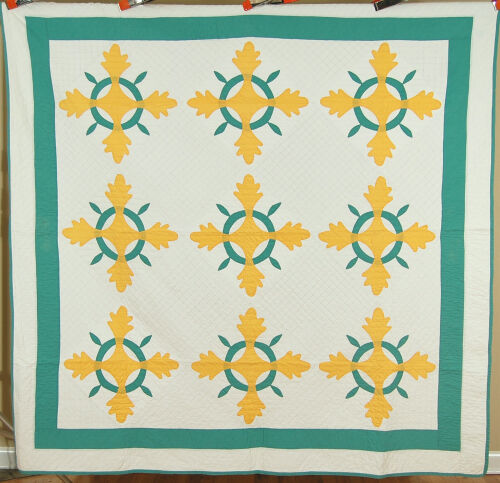 ELEGANT Vintage 30's Yellow & Green Oak Reel Applique Antique Quilt ~CLASSIC!