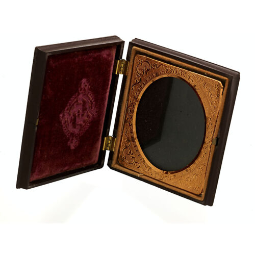 Book Style Picture Frame of Gutta–Percha