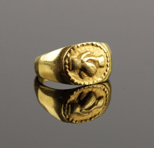 STUNNING ANCIENT ROMAN GOLD WEDDING RING - CIRCA 2ND C AD