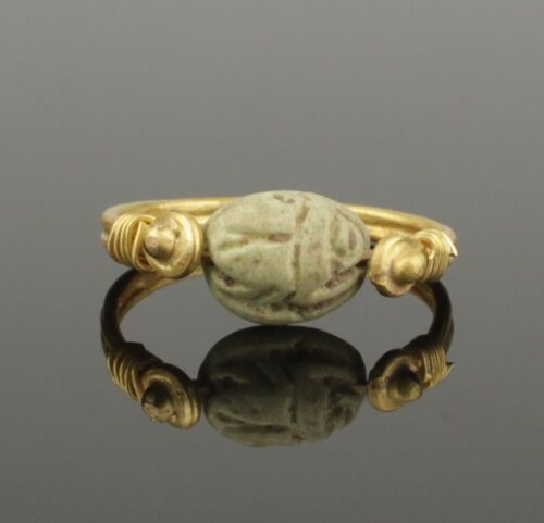ANCIENT EGYPTIAN GOLD SCARAB RING - Middle Kingdom c. 2010 - 1793 B.C   0036