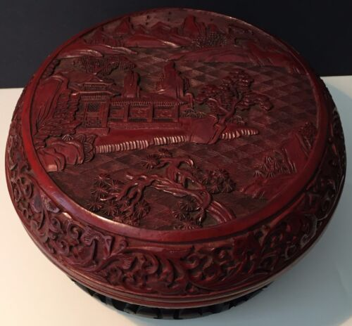 BEAUTIFUL, ANTIQUE CHINESE CARVED CINNABAR LACQUER BOX & COVER / QIANLONG MARKED