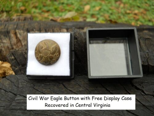 Old Rare Vintage Antique Civil War Relic Eagle Button Appomattox Camp with CaseButtons - 36034