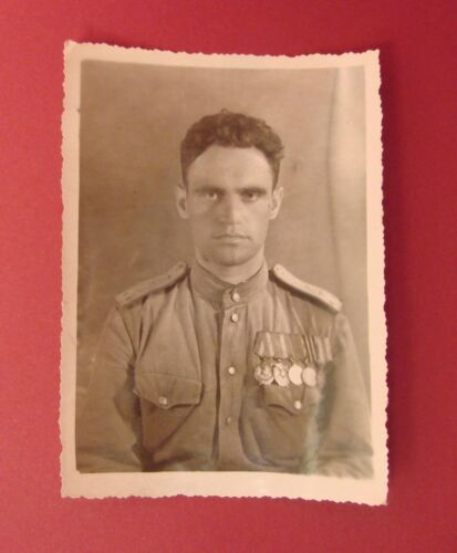 Soviet Russian Fighter Pilot Officer Photo WW2 Orders Medals on M43 Shirt ORIGNL