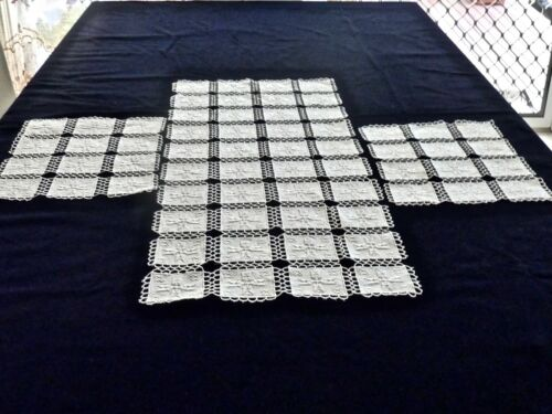 STRIKING ANTIQUE HAND CRAFTED ITALIAN LACE & EMBROIDERY TABLE RUNNER & PLACEMATS