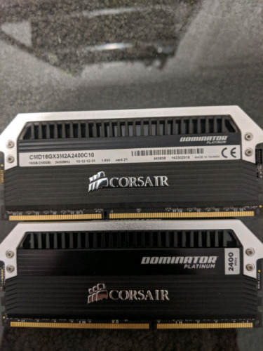 Corsair dominator platinum DDR3 2400mhz memory 2X8 GB modules