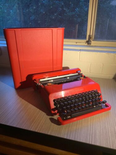 Olivetti Valentine S Red Typewriter 1969 - With Case - Made In Barcelona