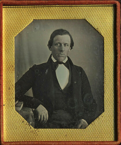 LOVELY EARLY DIGNIFIED LOOKING MAN - 6th Plate DAGUERREOTYPE