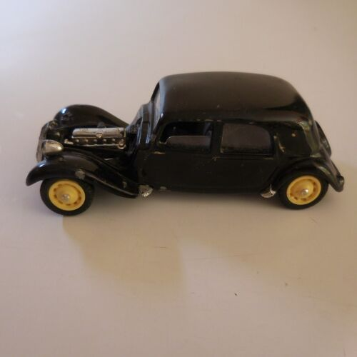 Voiture miniature Citroën Traction 15 SIX France SOLIDO 1/43 made Portugal N6449