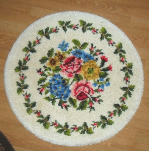 SHABBY ROSE CHIC VINTAGE COTTAGE ROUND AREA HAND MADE & CRAFTED ACCENT RUG
